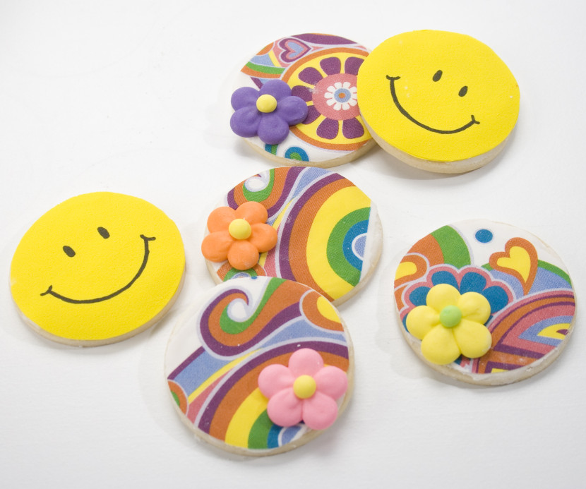 Smiley Face Flowers And Peace Cookies Cookie Decorating